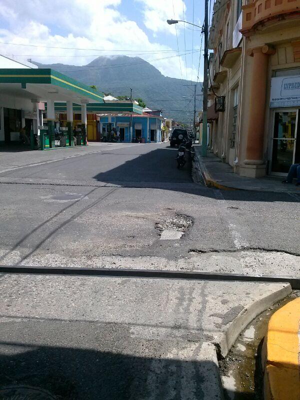 Choferes y Motoconchistas se quejan del mal estado calles Puerto Plata.
