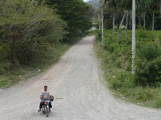 Iniciarán semana próxima construcción carretera Maimón Cambiazo.