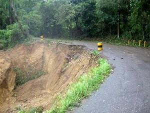 Decenas de comunidades entran en huelga en reclamo carretera Turística Luperón.