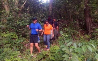 Director Medio Ambiente supervisa personalmente trabajos Sendero Isabel De Torres.