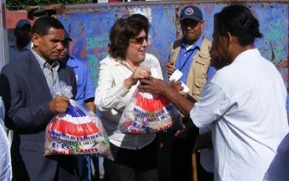 Gobernadora Puerto Plata despliega amplio operativo raciones alimenticias.