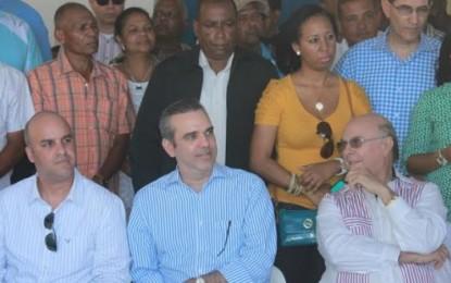 Hipólito Mejía deja juramentada directiva en Puerto Plata.