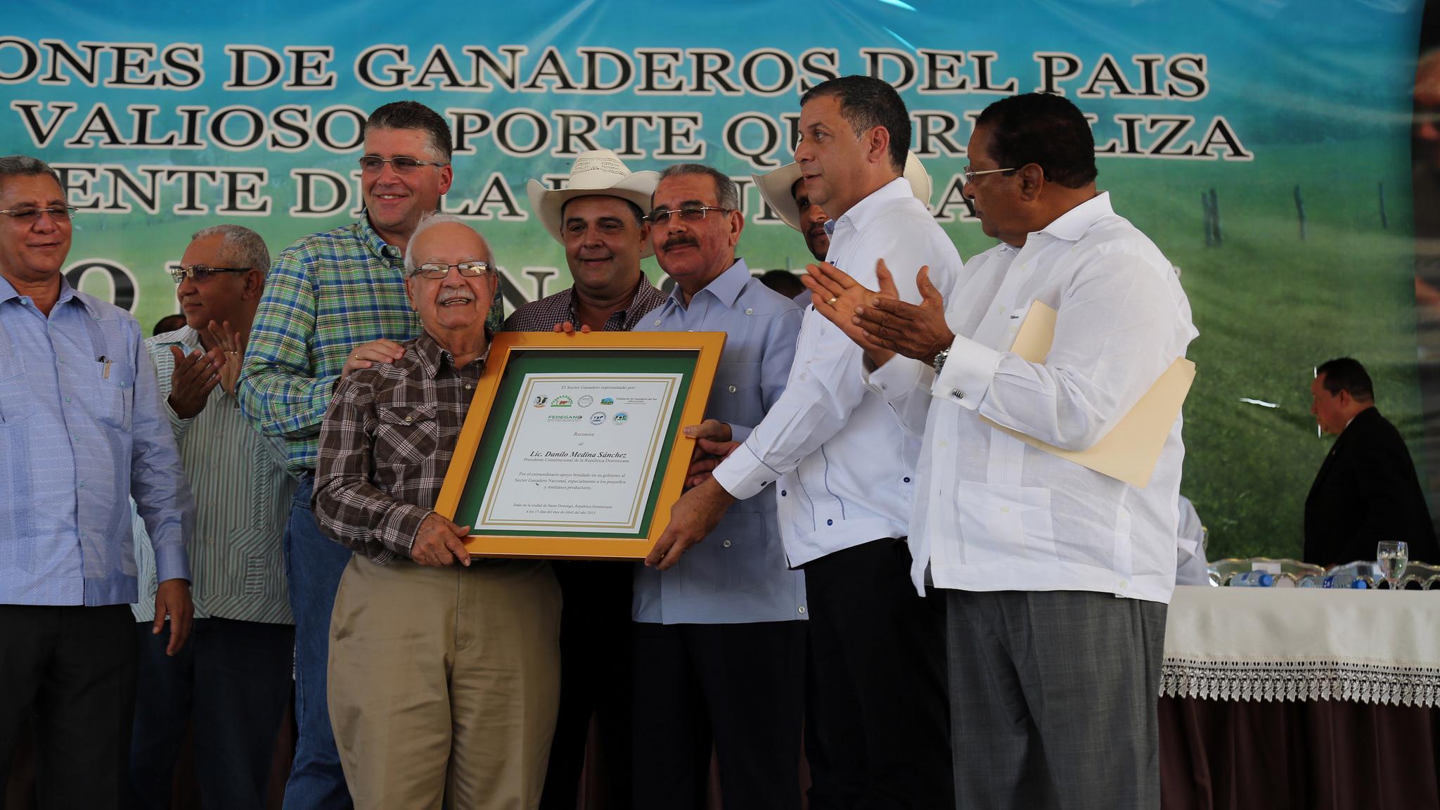 ENTIDADES AGROPECUARIAS RECONOCEN APORTES DEL PRESIDENTE DANILO MEDINA AL SECTOR.