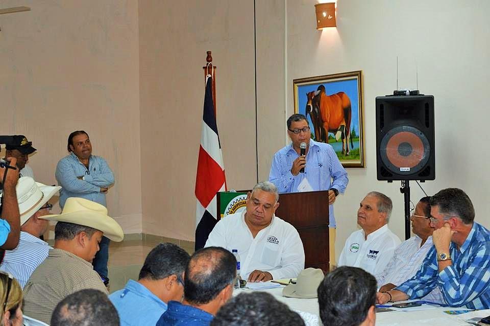 GANADEROS DEL ESTE SE PREPARAN PARA ELEVAR CALIDAD Y EXPORTAR LÁCTEOS CRIOLLOS.