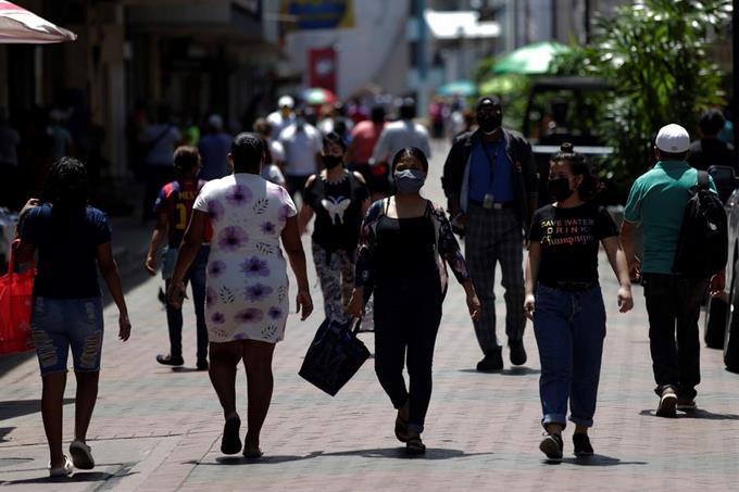 Explota el COVID-19 en Centroamérica: récord de casos y muertes en una semana