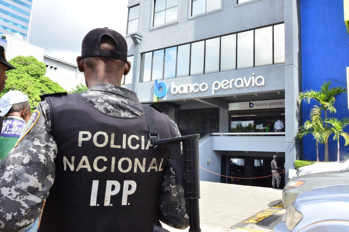 6 MESES DE PRISIÓN PREVENTIVA PARA 7 DE LOS IMPLICADOS EN CASO BANCO PERAVIA.