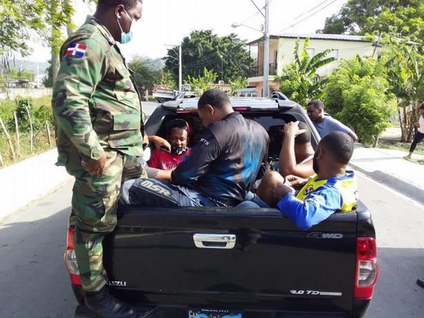 Más de 86 mil detenidos durante seis etapas de toque de queda en RD