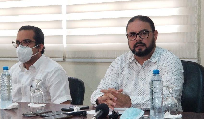 ING. NAZARIO REVELA EN CORAAPPLATA PAGABAN MÁS DE RD$4.5 MILLONES A BOTELLAS.