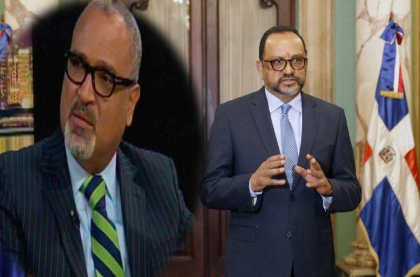 CONSULTOR JURÍDICO PRESIDENCIA COMPARTE CON PEDRO BALBUENA Y OTROS JURISTAS QUE ESTUDIAN PROYECTO CÓDIGO PENAL.